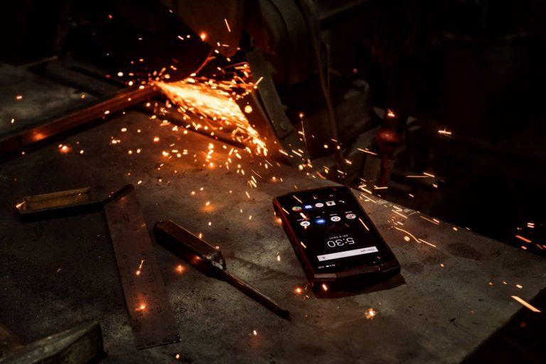 Nadchodzi DOOGEE S80 - wzmocniony smartfon z walkie-talkie i ogromną baterią 10 080 mAh