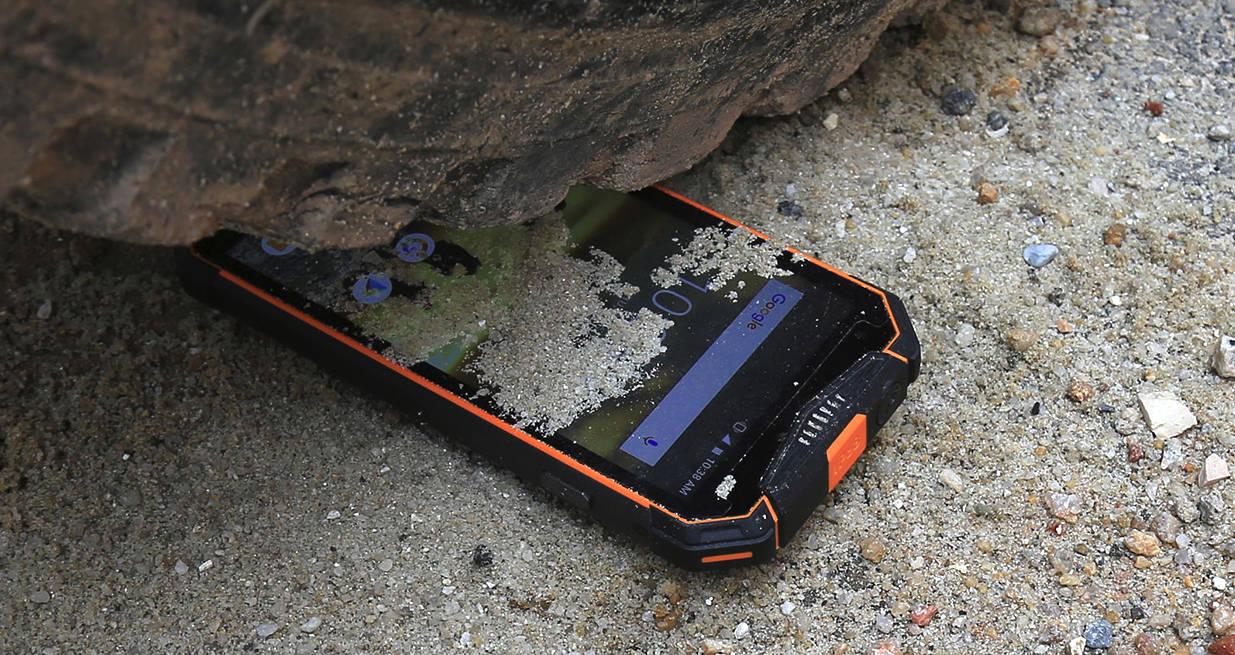 Pancerne smartfony IP68 - co wybrać jesienią 2018?