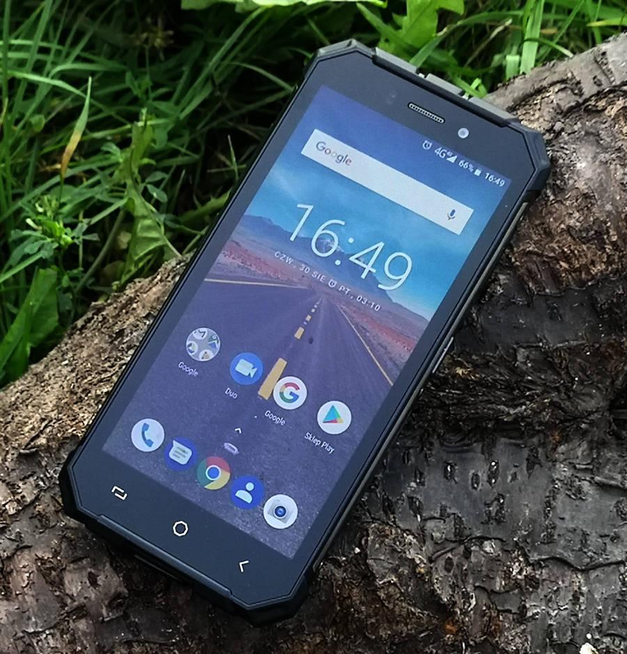 Pancerne smartfony do 1000 zł, które kupisz w Polsce. Co wybrać jesienią 2018?