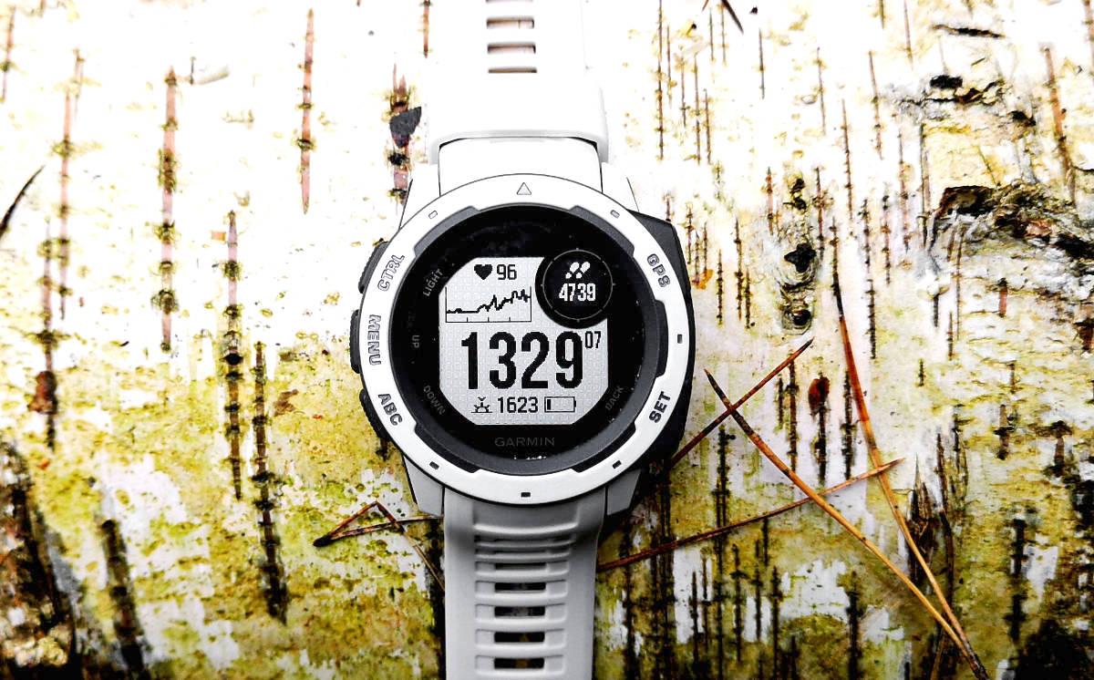 Garmin Instinct: test i recenzja sportowego, odpornego zegarka GPS