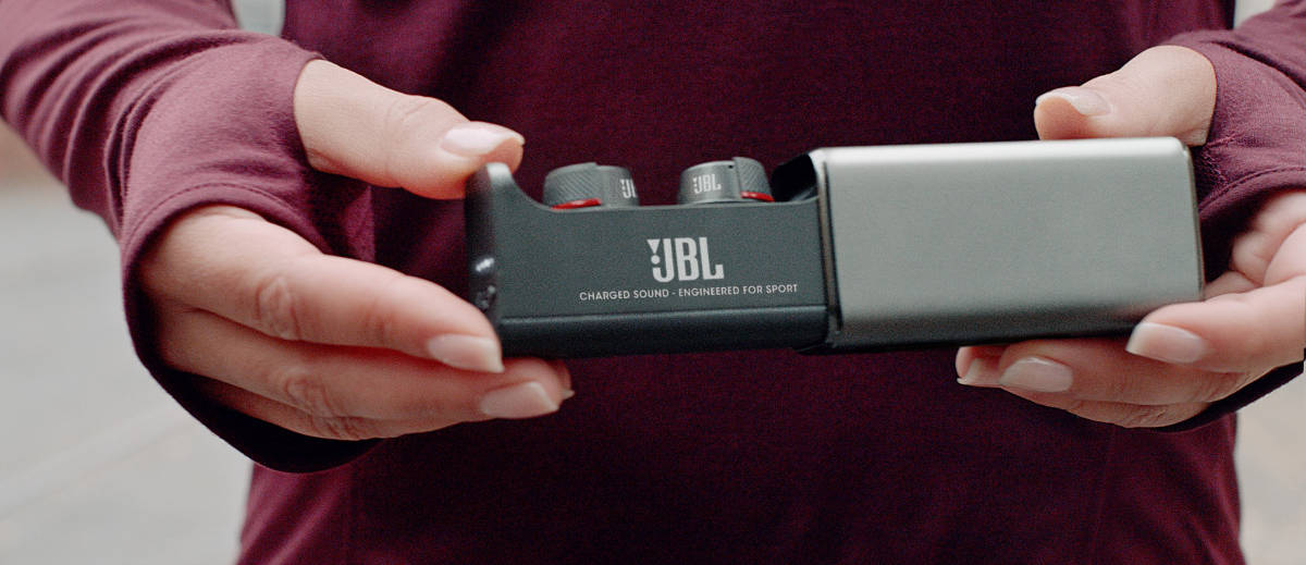 """Wodoszczelne, """"prawdziwie bezprzewodowe"""" słuchawki JBL UA Sport Wireless Flash"""