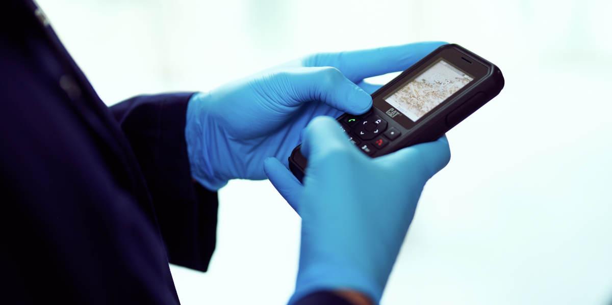 Cat wprowadza telefony z pełną ochroną antybakteryjną: Cat S42 H+ i Cat B40. Pancerniki na czasy pandemii
